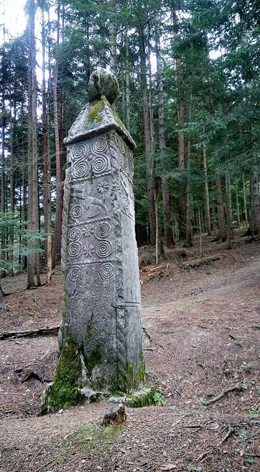 obelisk olovo